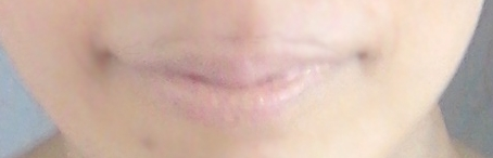 黄金比メイクの唇