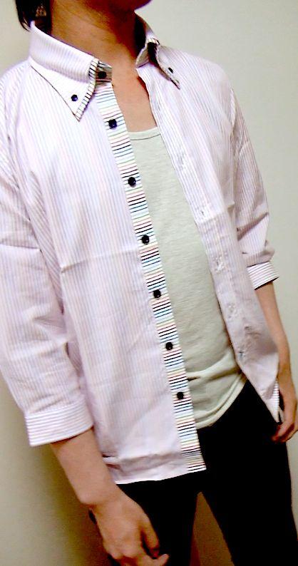 ピンクシャツ+灰タンク+黒パンアップ