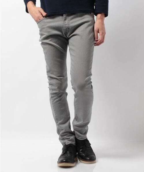 春メンズファッション 痩せている男性におすすめのズボン