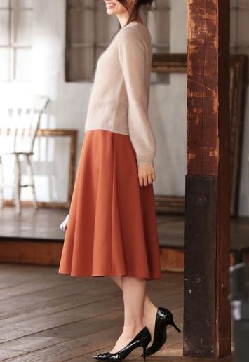 婚活デート服秋40代女性 スカート