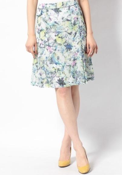 アラフォー春スカート花柄