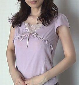 婚活の服装の例。紫